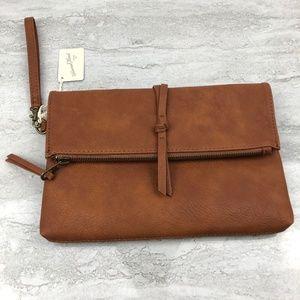 🌵Universal Thread Brown Clutch